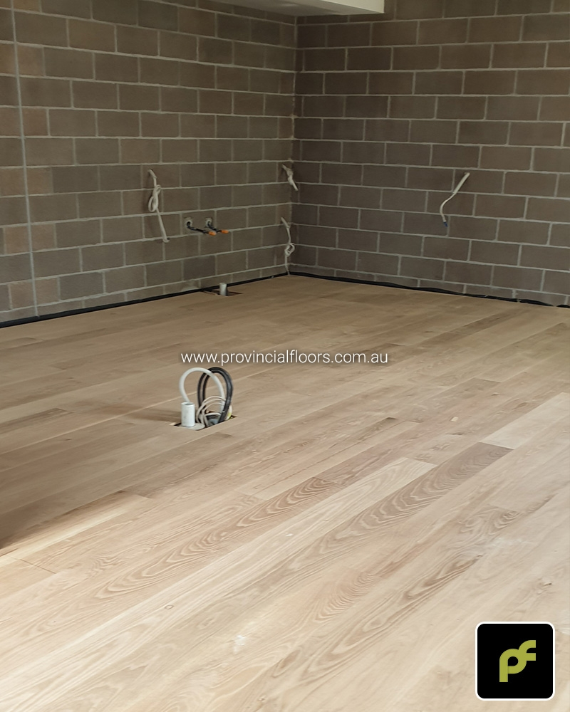 155mmx14mm American Oak Solid Strip Flooring